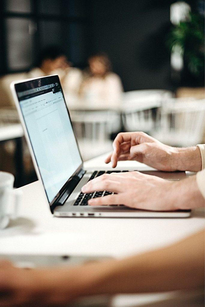 Klauzule abuzywne w regulaminie sklepu internetowego